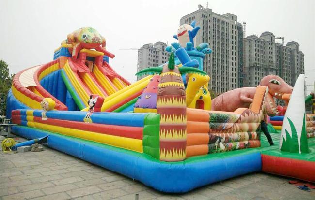 儿童乐园新款bwin娱乐app城堡恐龙滑梯